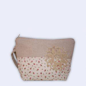 Toaletna torbica s cvetličnim vzorcem + darilo ROŽNA VODA